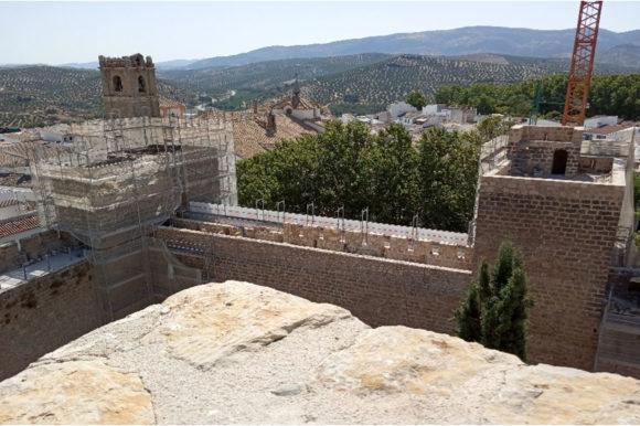 Continúa la restauración del Castillo de Priego